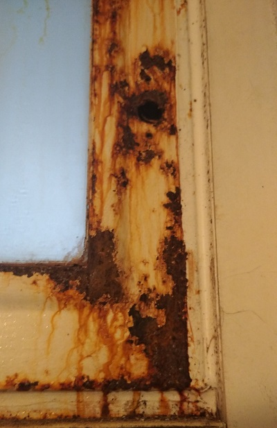 rozsda eltávolítása házilag rozsdás ablak